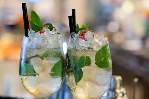 cocktail-tiki-bar