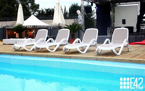 piscina-eur